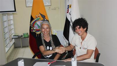 Firma del convenio Agencia de Bioseguridad y Animal Balance